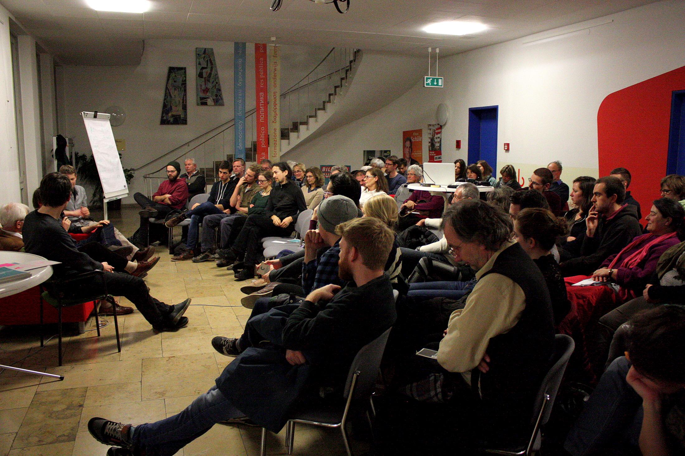 Volles Haus in der Landeszentrale für politische Bildung beim Tourstop von Perspective Daily am 5. Februar